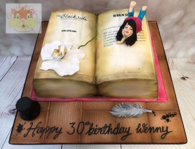 Wenny book cake