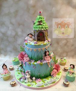 enchanted garden cake and cupcakes